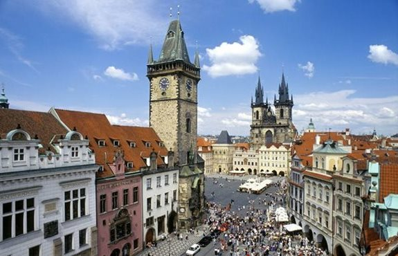 ctecheco prague-old-town-square-1